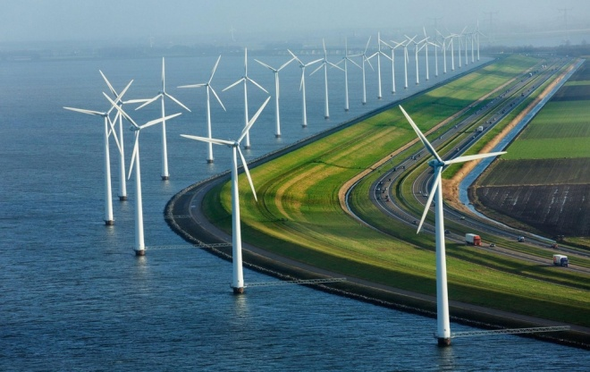 The 100 best photographs ever taken without photoshop - Modern dykes, windmills and highways in the Netherlands