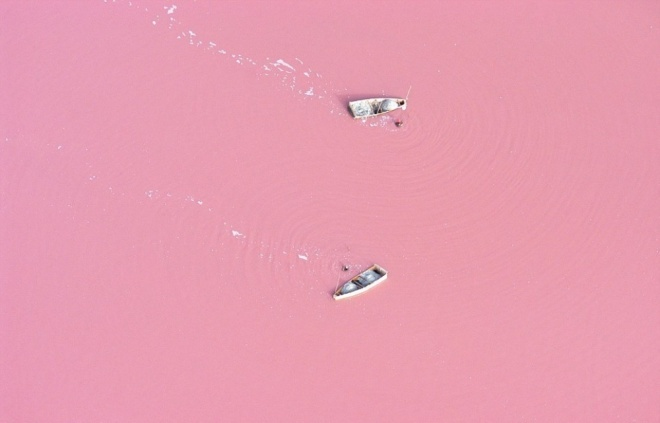 The 100 best photographs ever taken without photoshop - Lake Retba, Senegal