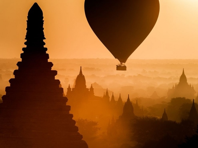 The 100 best photographs ever taken without photoshop - Sunrise in the Kingdom of Bagan, Myanmar
