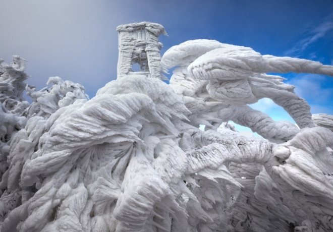 The 100 best photographs ever taken without photoshop - Spectacular ice formations on a mountaintop in Slovenia